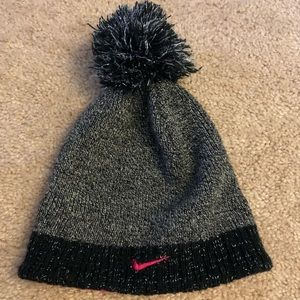 another chance 97879 2d9cf GIRLS NIKE WINTER HAT